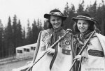 Alpine hikers with vintage trekking poles. Image: hikingstyle56.com